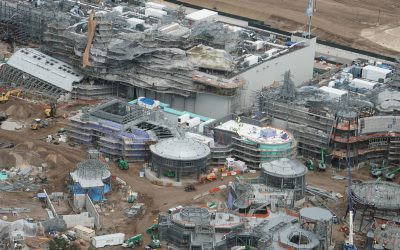 Mise à jour de photo : construction de Star Wars Galaxy's Edge, les échafaudages s'effondrent