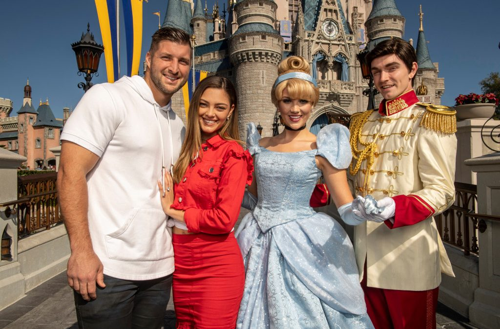 Tim Tebow épouse l'ex-Miss Univers Demi-Leigh Nel-Peters – The Denver Post